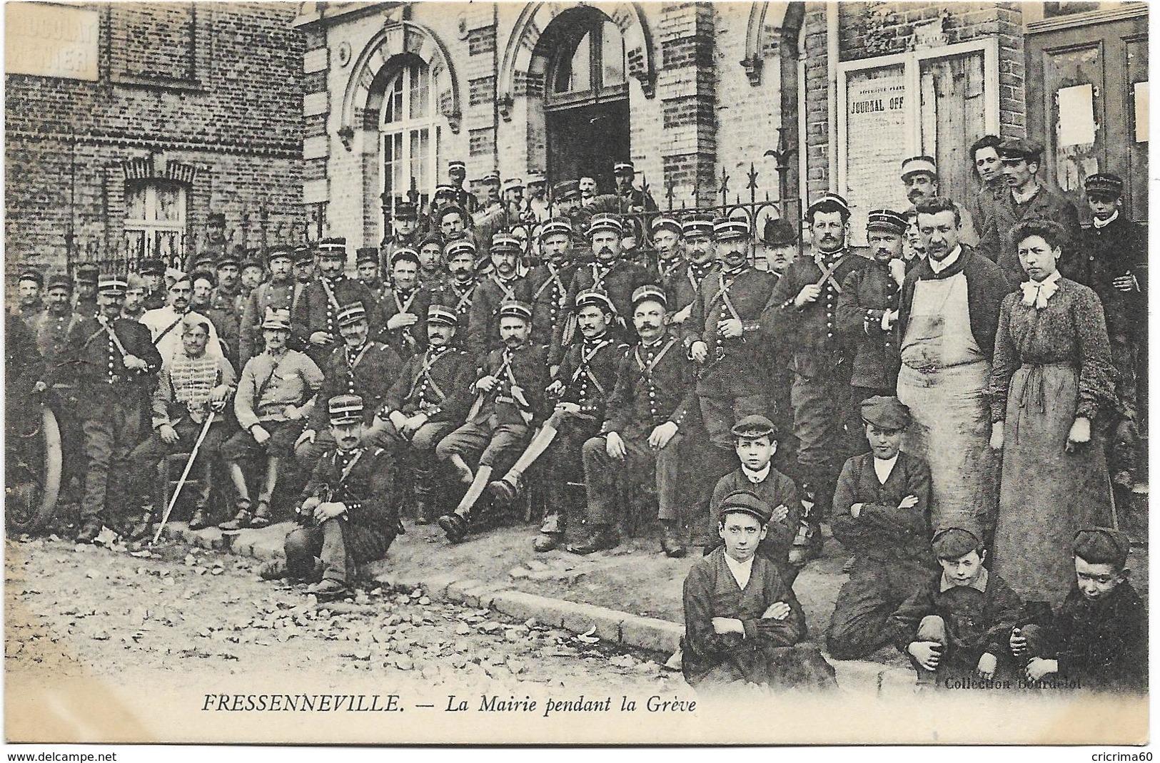 80 - FRESSENNEVILLE - La Mairie Pendant La Grève. Beau Plan Animé. BE. - France