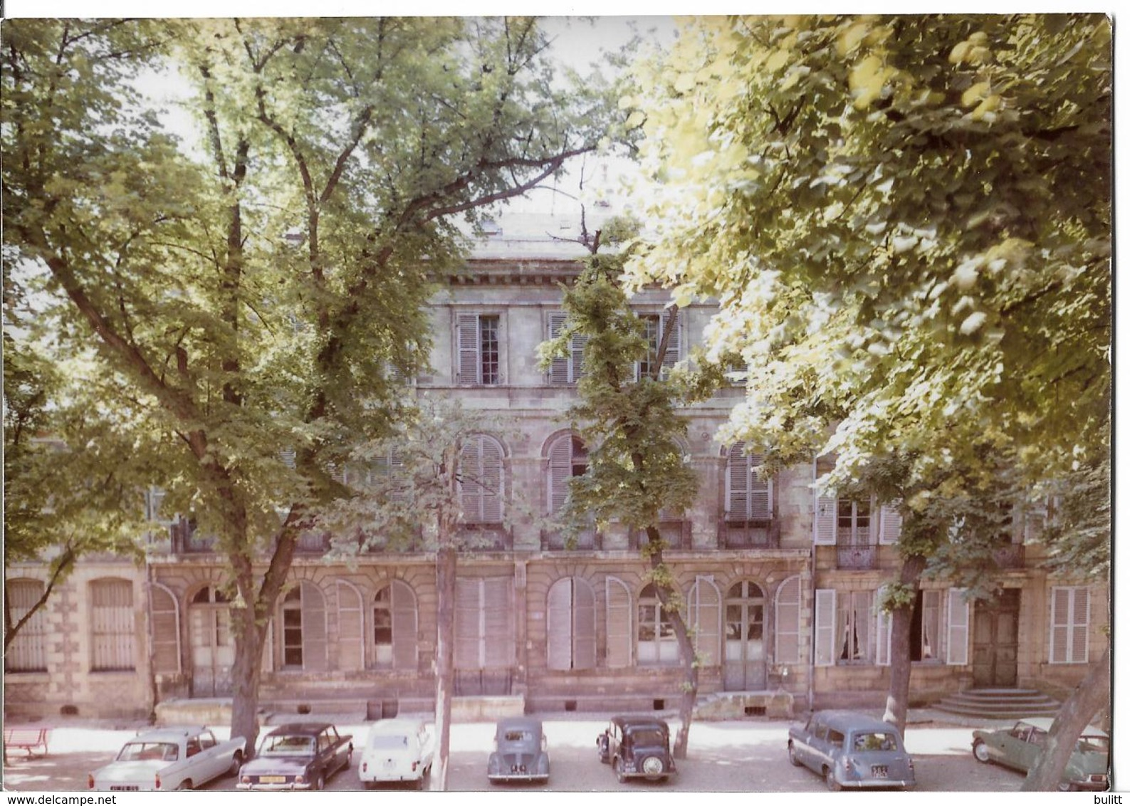 MOULINS - Une Place - Voiture : Peugeot 404 - 403 - Renault 4 L - 4 CV - Citroen DS - Moulins