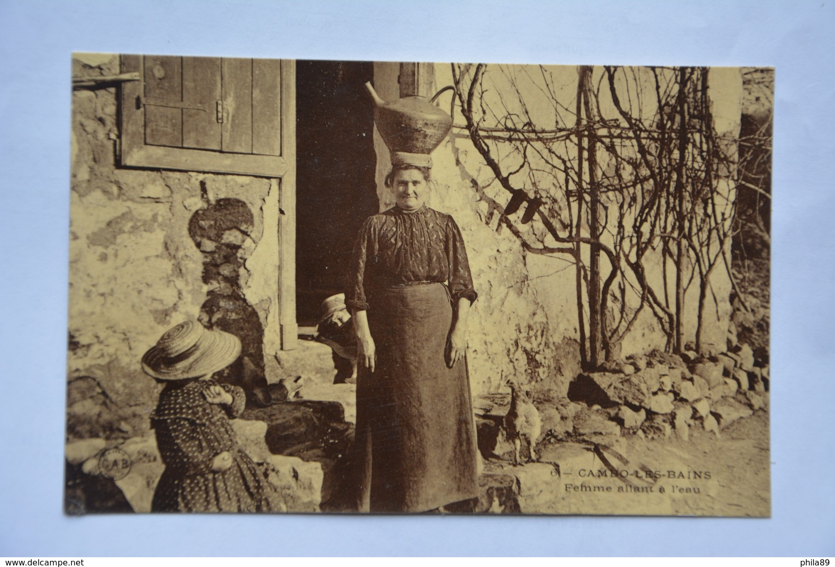 CAMBO-les-BAINS-femme Allant A L'eau-offerte Par Chocolat Vinay-papier Glace - Cambo-les-Bains