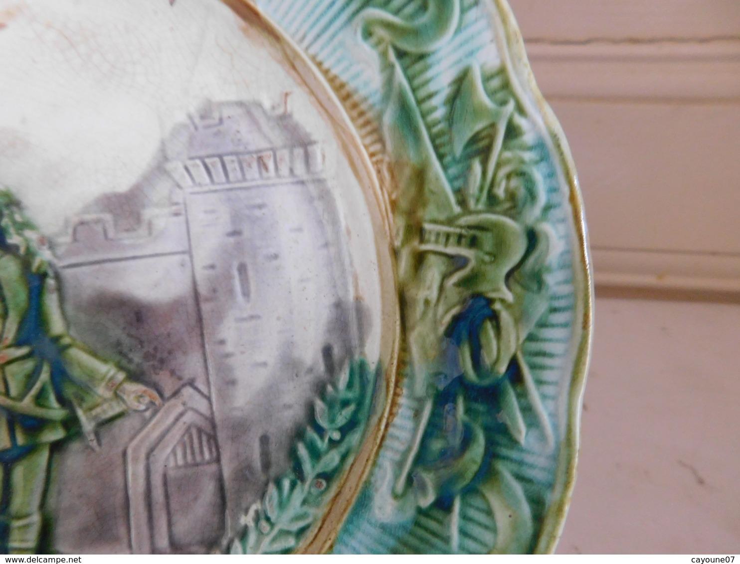 Onnaing Assiette En Barbotine Jeanne D'Arc N°2 - Onnaing (FRA)