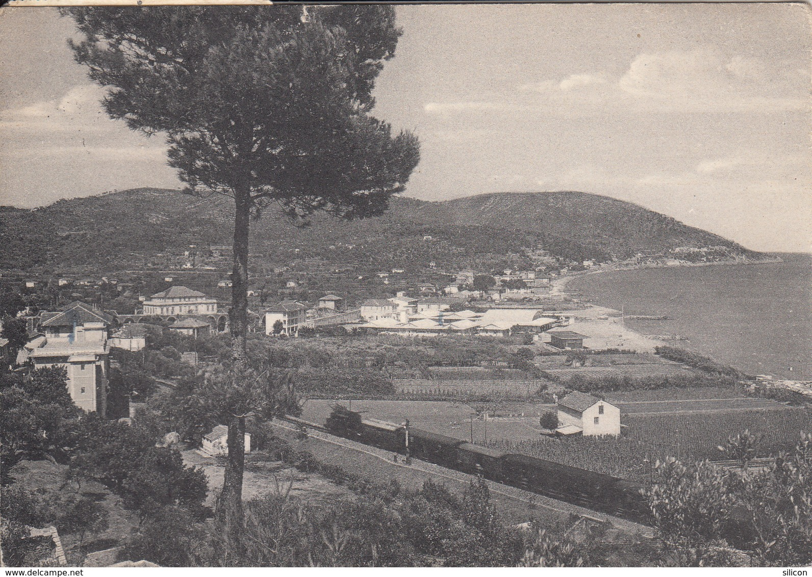 Andora - Panorama E Passaggio Treno - Savona