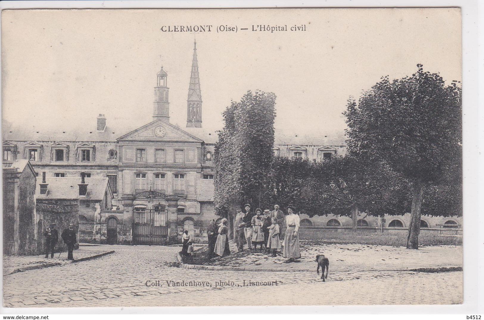 60 CLERMONT L'Hôpital Civil ,groupe De Personnages - Clermont