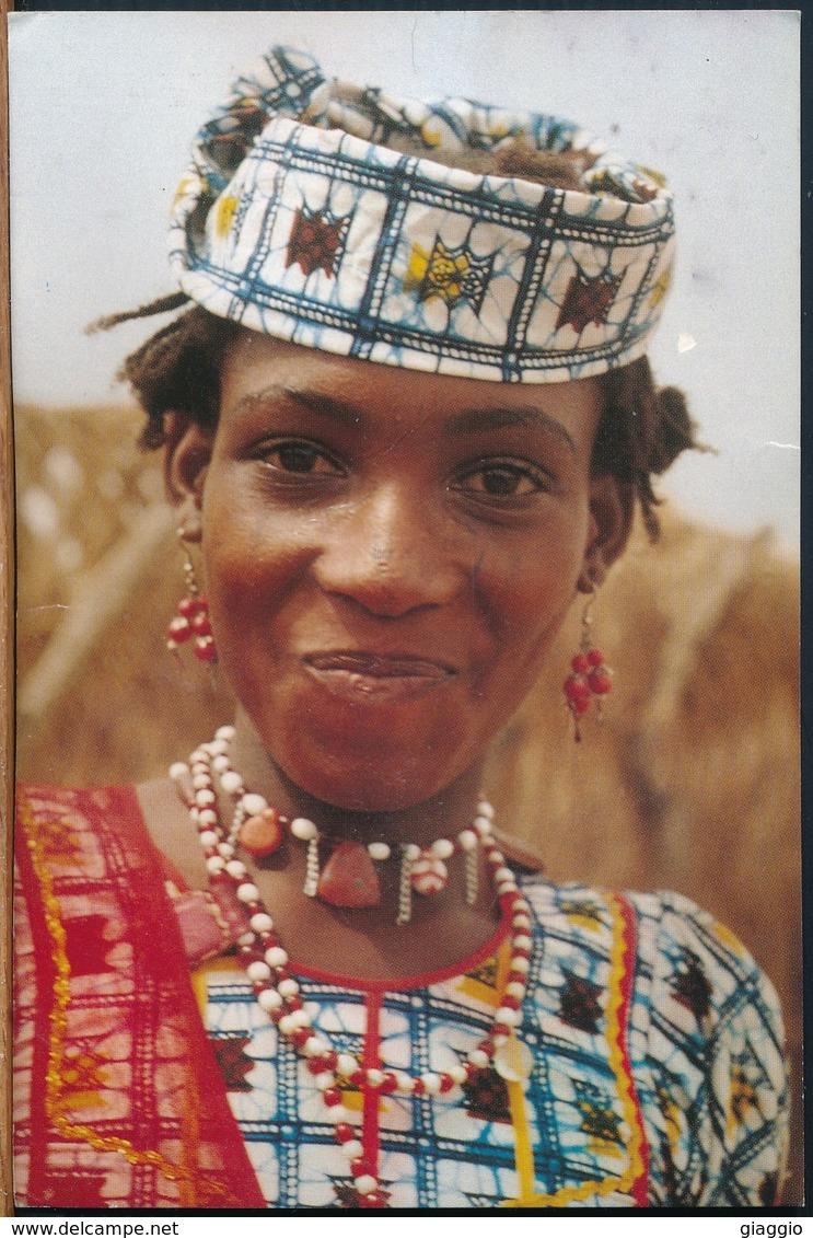 °°° 18889 - CAMERUN - JEUNE FILLE M'BORORO - 2002 °°° - Camerun