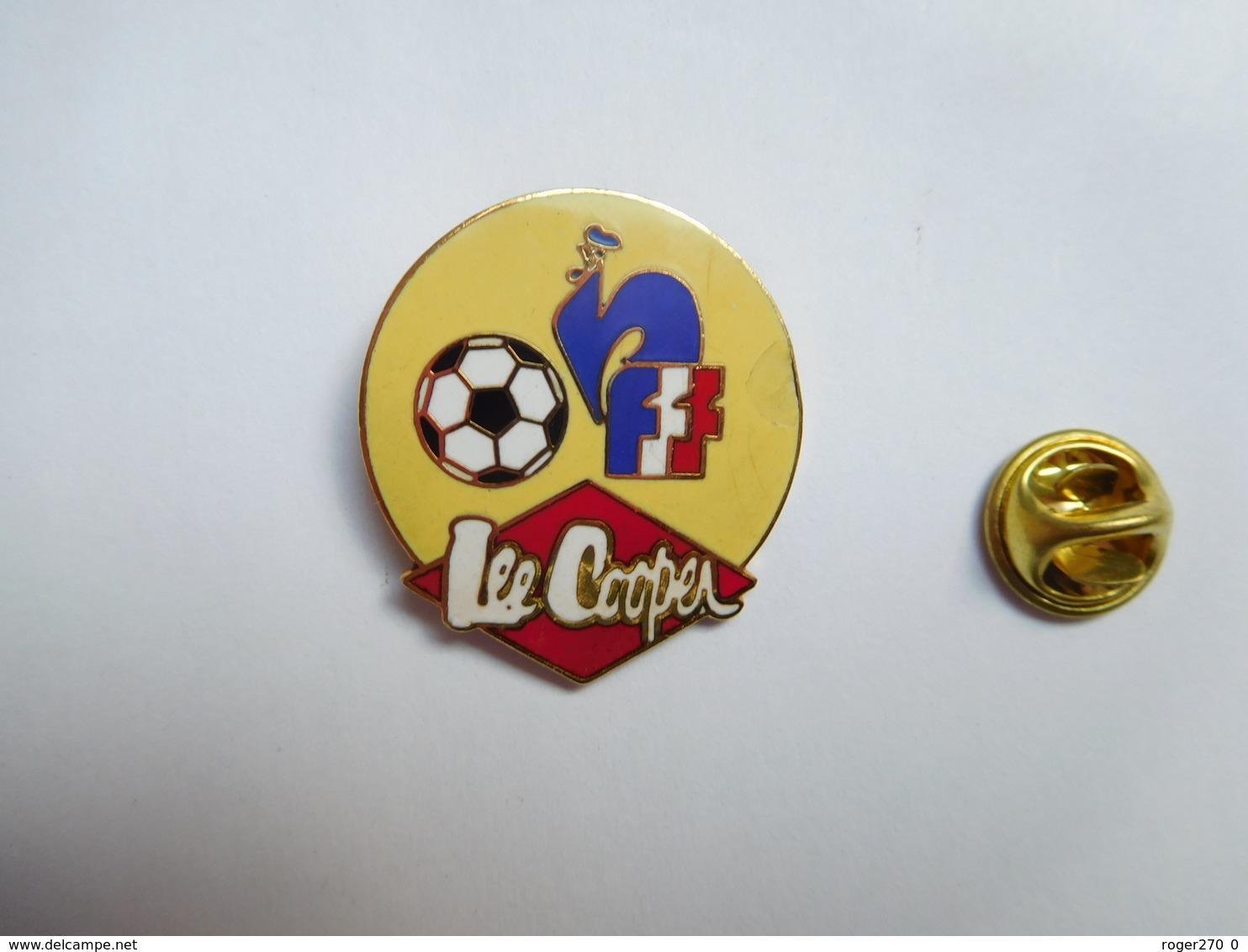Beau Pin's En EGF , Marque Lee Cooper , FFF , Football , Coq  , Mode , Vêtement , ATTENTION : éclat Dans L'émail - Markennamen
