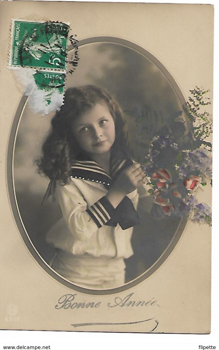 L100F161 - Bonne  Année - Fillette , Jolie Marinière Avec Des Fleurs - Neujahr