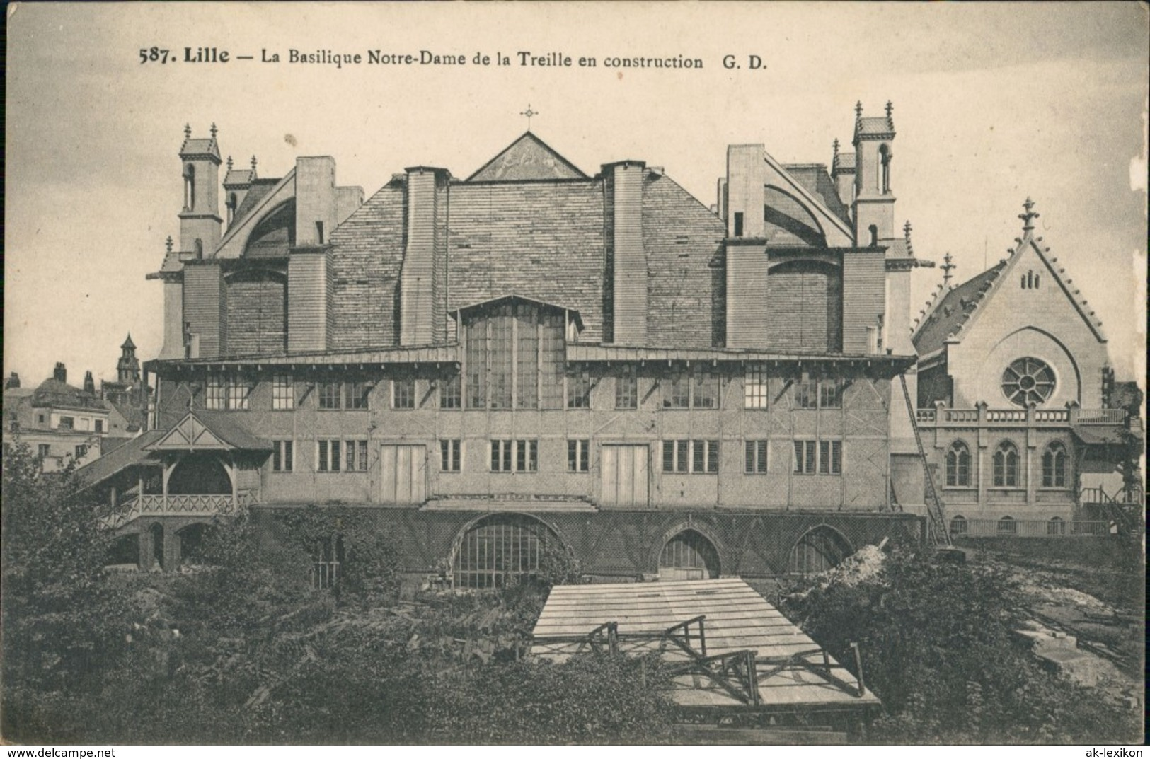 CPA Lille La Basilique Notre Dame En Construction 1913 - Lille