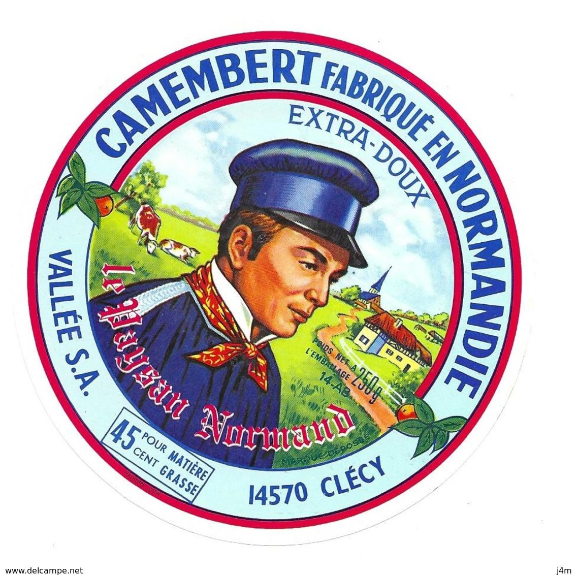 ETIQUETTE De FROMAGE. CAMEMBERT Fabriqué En NORMANDIE..Le Paysan Normand... VALLEE S.A. à CLECY ( Calvados 14-AB) - Cheese