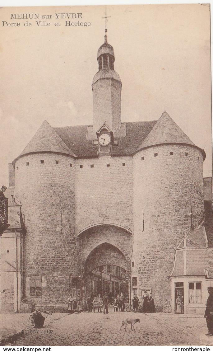 CPA (18)  MEHUN Sur YEVRE  Porte De Ville Et Horloge  (R.V)   D 165 - Mehun-sur-Yèvre