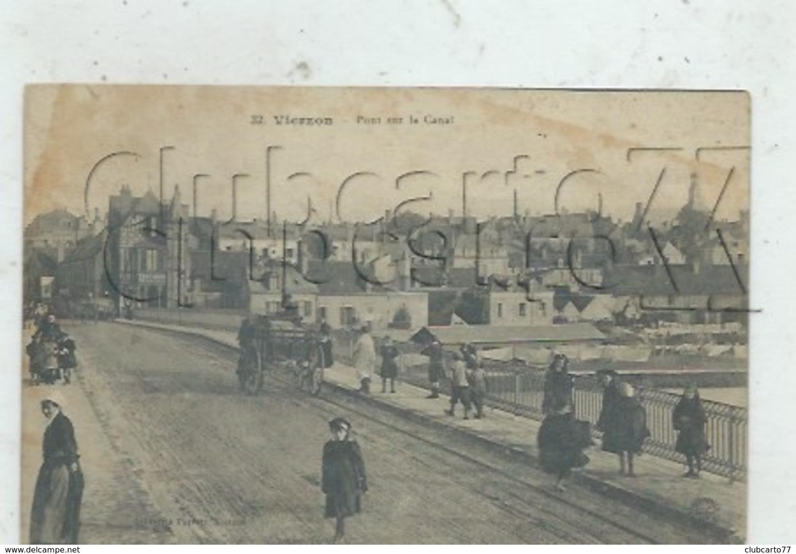 Vierzon (18) : MP D'un Attelage D'un Marchand De Vins En Gros Sur Le Pont Du Canal En 1917 (animé) PF . - Vierzon