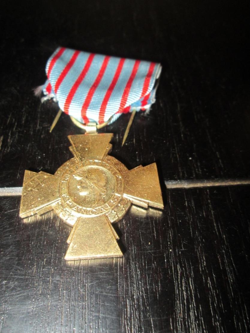 Medaille Croix De Guerre - France