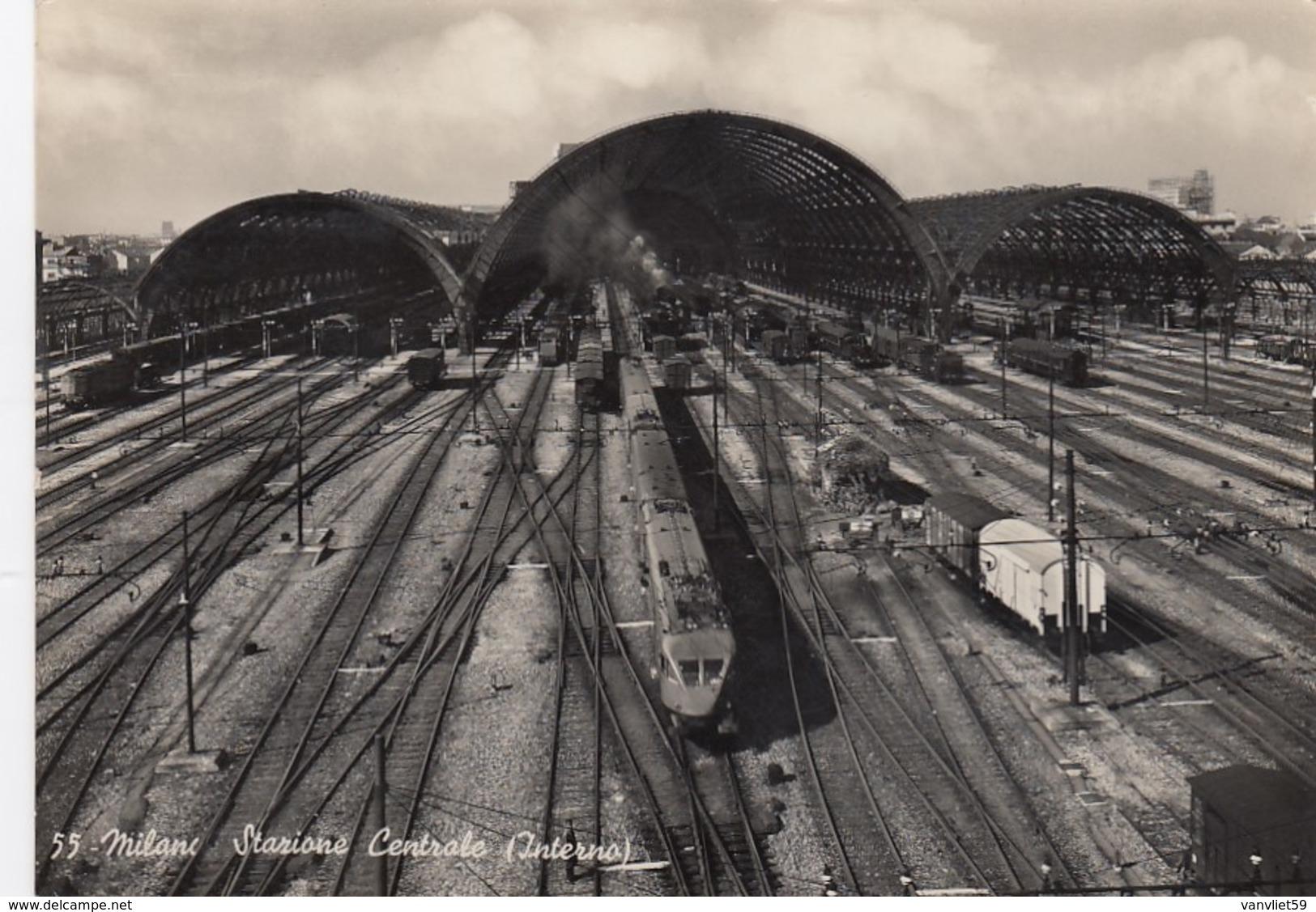 MILANO-STAZIONE CENTRALE(INTERNO)- TRENO IN PARTENZA-CARTOLINA VERA FOTOGRAFIA-VIAGGIATA IL 1-10-1953 - Milano