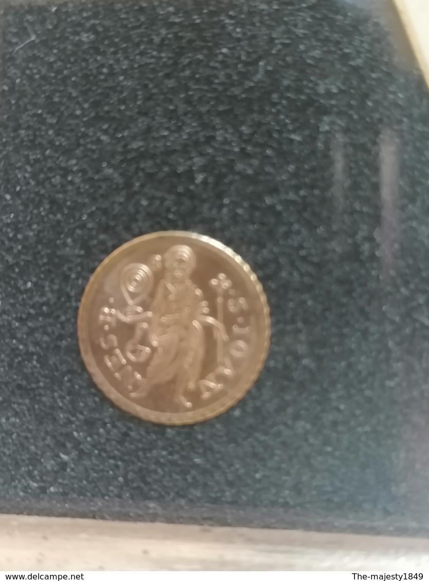 Les Plus Petites Pièces Du Monde En Or 750/1000 - Other Coins