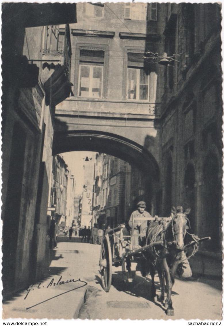 13. Gf. MARSEILLE. Rue De La Loge Avec Le Pont Reliant L'ancienne Et La Nouvelle Mairie. 5706 - Zonder Classificatie