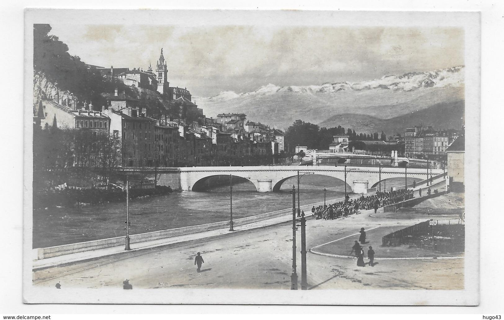 GRENOBLE - N° 23 - VUE SUR L' ISERE ET LE QUARTIER SAINT LAURENT - CPA NON VOYAGEE - Grenoble