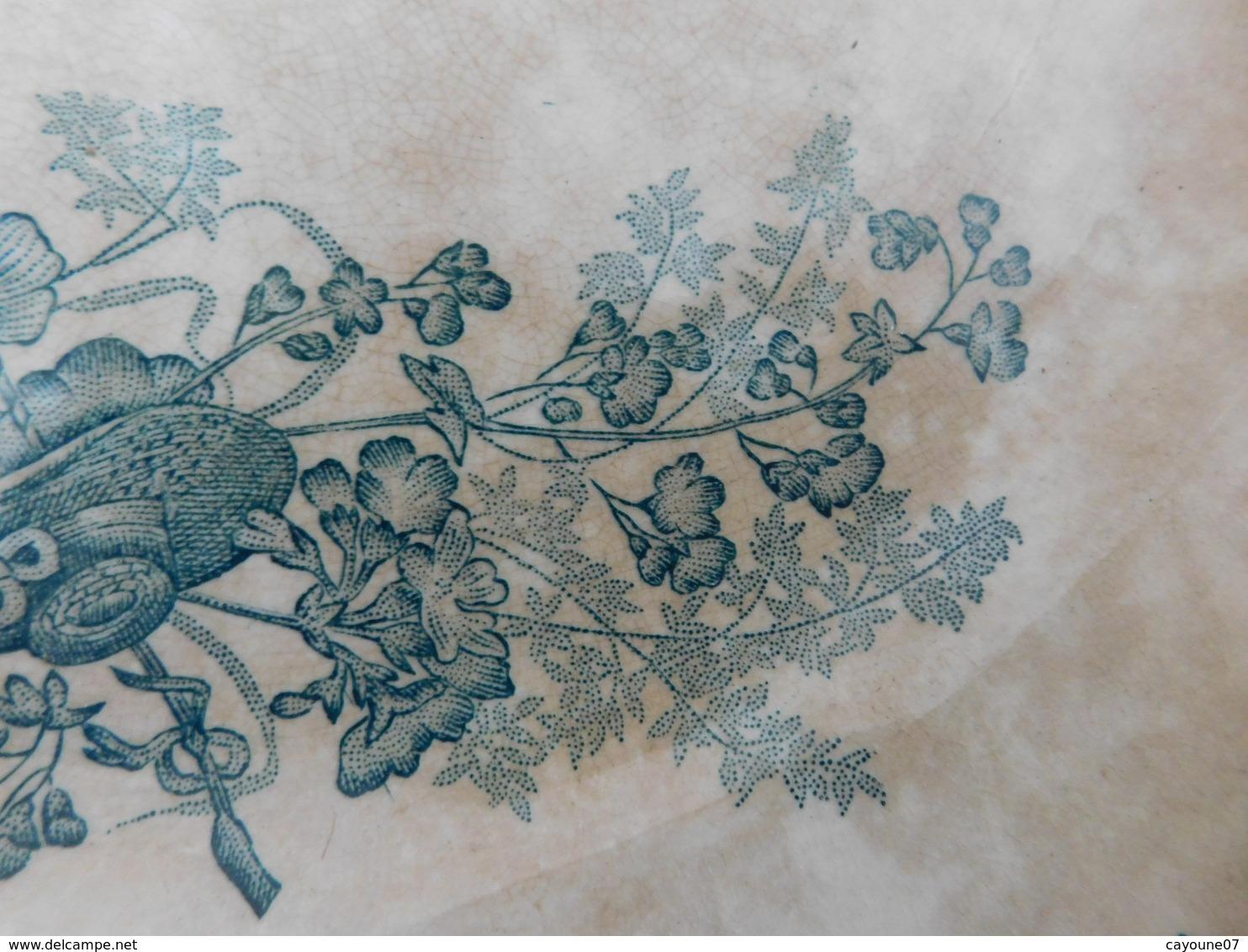 Onnaing Plat Rond En Faïence Service Moisson Vert Décor Bouquets Fleuris Chapeau Papillon - Onnaing (FRA)