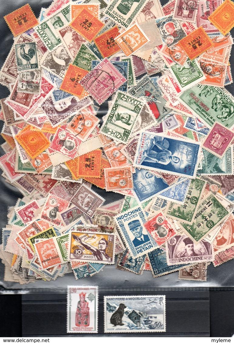 C106 Lot De + De 500 Timbres Oblitérés Anciennes Colonies Et D'expression Françaises + 2 Timbres ** - Collections (with Albums)