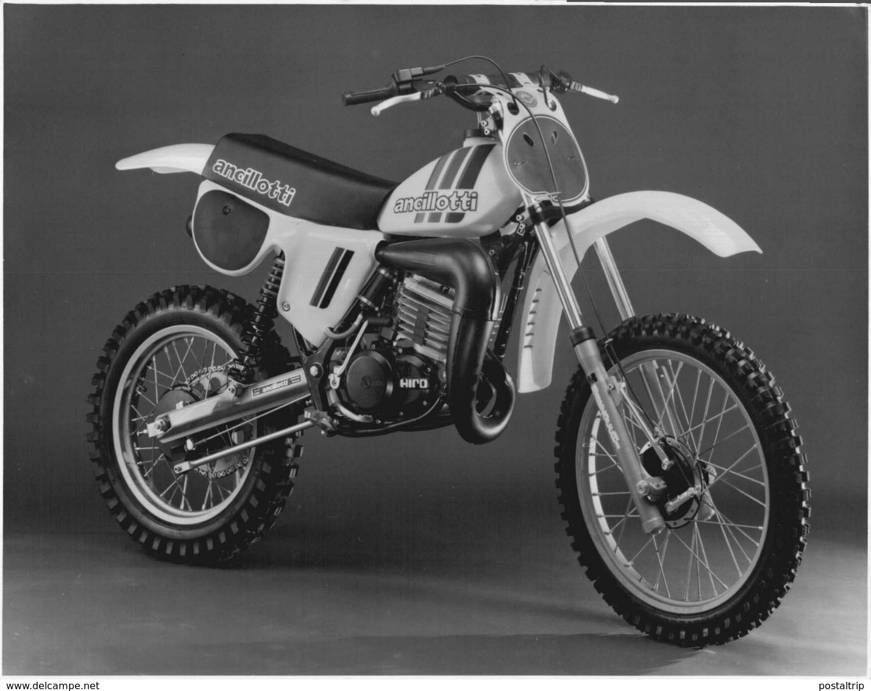 ANCILLOTI HIRO +-17,5cm X 23cm  Moto MOTOCROSS MOTORCYCLE Douglas J Jackson Archive Of Motorcycles - Andere