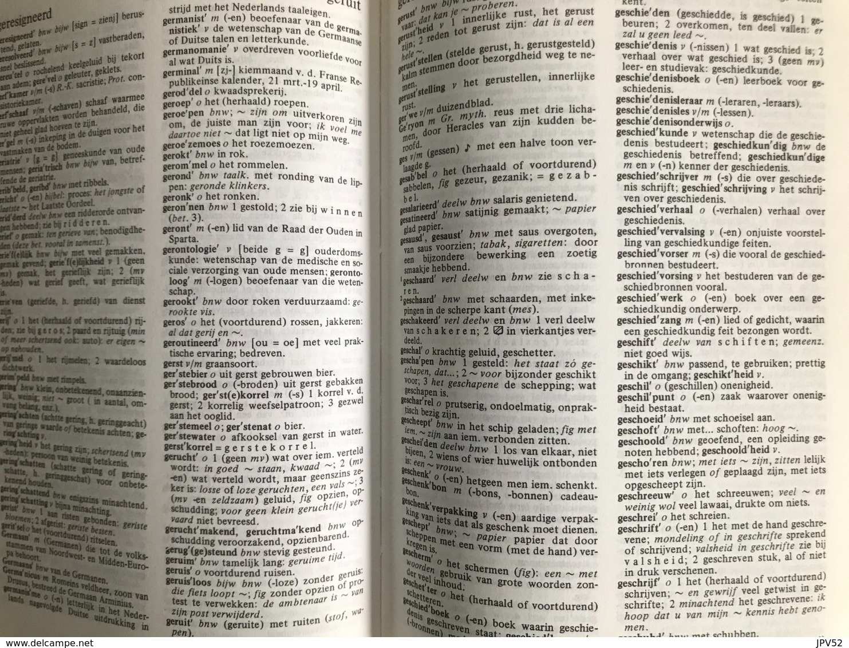 (322) Kramers Woordenboek Nederlands -1192p. - Dictionaries