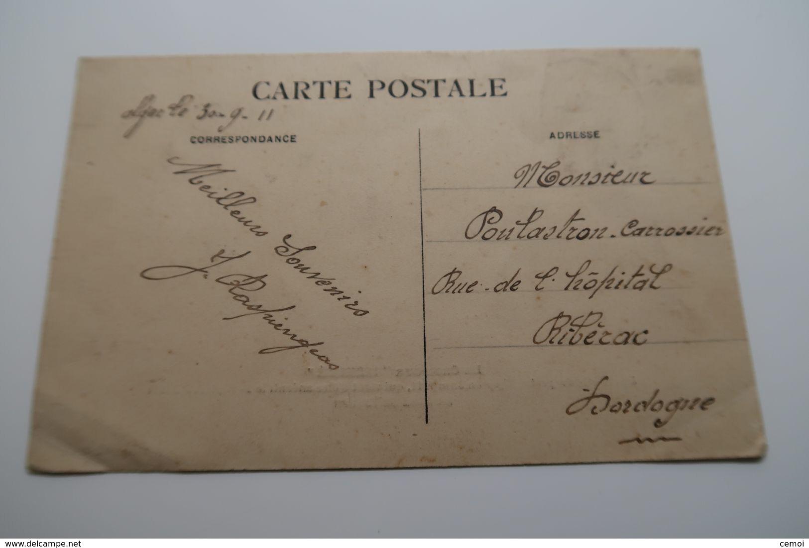 """CPA - Le Croiseur """" Liberté """" à Sa Sortie Du Port D'Alger En Juin 1911... - Guerra"""