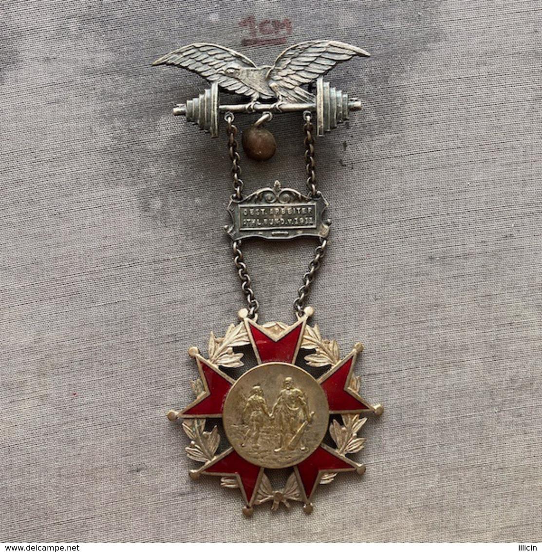 Badge ZN009358 Weightlifting Wrestling Athletics Gymnastics Austria Österreichischen Arbeiter-Athleten-Bund 1911 1925 - Pesistica