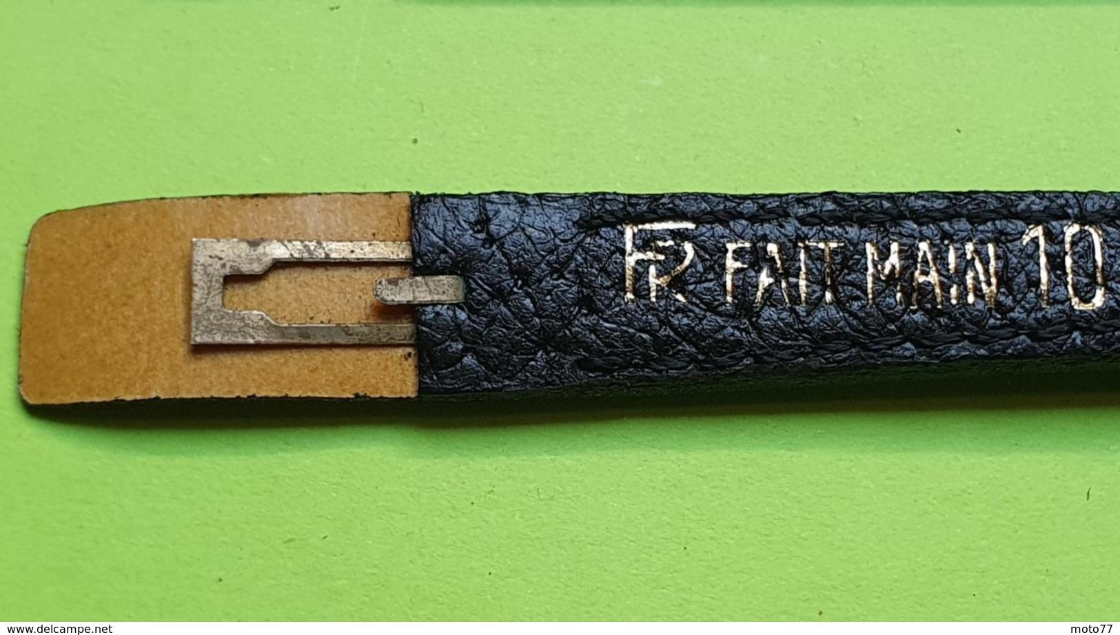 BRACELET Pour Montre Ancienne -Box Sur Cuir Noir-Boucle Argentée- Taille 10 -Longueur Total 16.5 Cm- NEUF De Stock- 1950 - Watches: Old