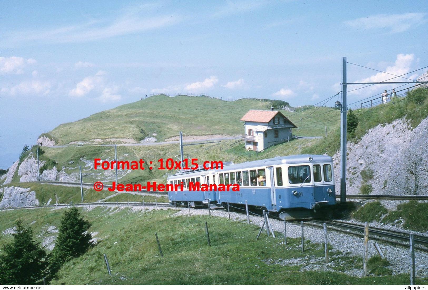 Reproduction D'unePhotographie D'un Train ARB Chemin De Fer à Crémaillère à Rigi En Suisse En 1972 - Repro's
