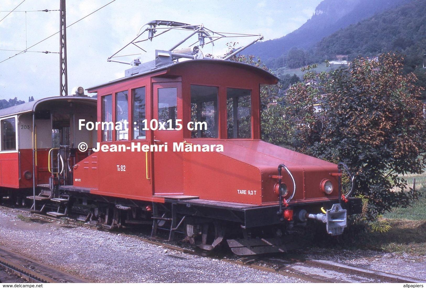 Reproduction D'unePhotographie D'une Locomotive CEV Chemin De Fer Veveysans à Blonay En Suisse En 1973 - Repro's