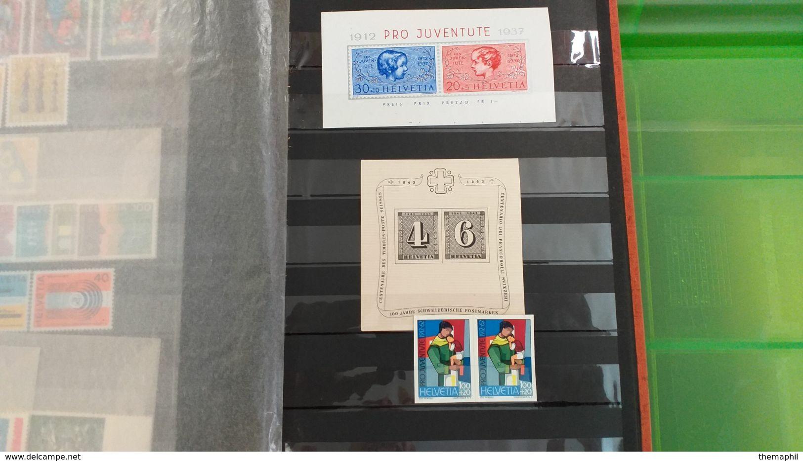 Lot N° TH 483 SUISSE Un Bon Classeur De Timbres Majoritée De  Neufs Xx - Collezioni (in Album)