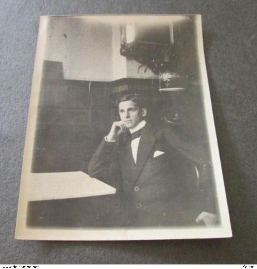 PORTRAIT OF A YOUNG MAN, PORTRAIT D'UN JEUNE HOMME,PHOTO FROM 1916, ORIGINAL PHOTO - Personnes Anonymes