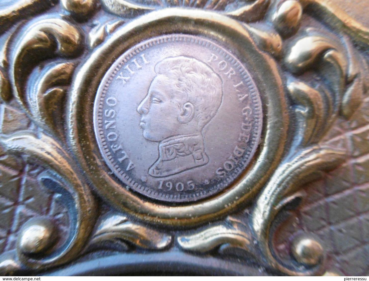 ALFONSO XIII PLAT ARMOIRIES ROYALES BRONZE ORNE DE 3 MONNAIES ARGENT - Bronzes