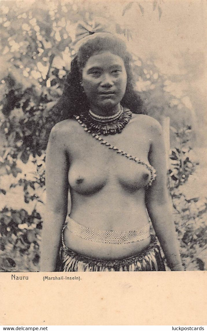 LPD78 Nauru Marshall Islands Postcard Nude Bare Breasts - Nauru
