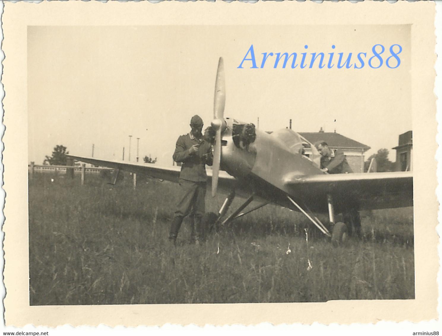 France, 1940 - Saint-Dizier - Terrain D'aviation De Robinson - Caudron ? - Luftwaffe - Aufklärungsgruppe 11 - War, Military