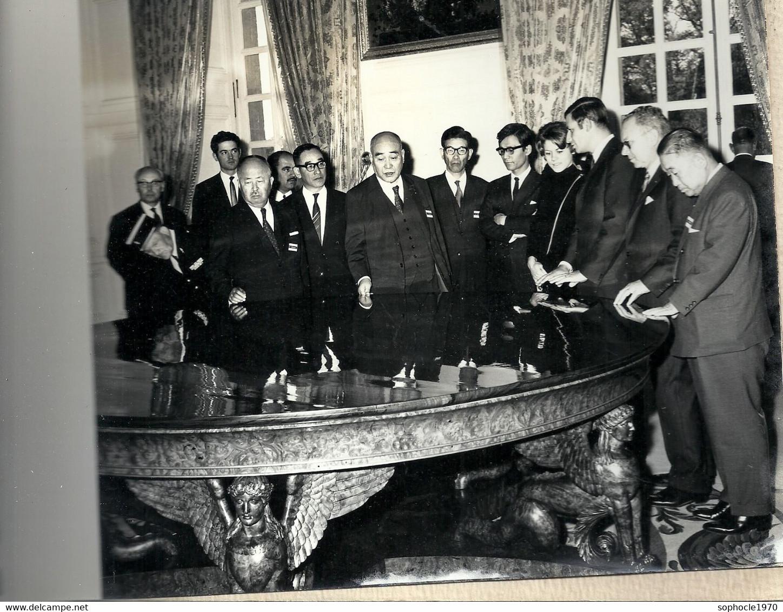 10 - 2020 - YVELINES - 78 - VERSAILLES -1968 - Séjour En France Des Gouverneurs Japonais -  Découverte DeL'art Français - Fotografie