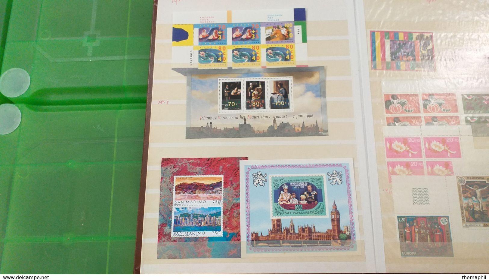 Lot N° TH 610  EUROPE Et Divers Un Bon Classeur De Timbres Neufs Xx Et Quelques Obl. - Collections (with Albums)