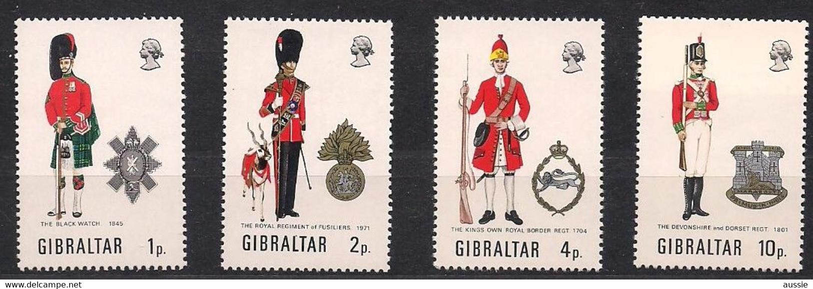 Gibraltar 1971 Yvertn° 274-77 *** Neuf MNH Uniformes Militaires Cote 12 Euro - Gibraltar