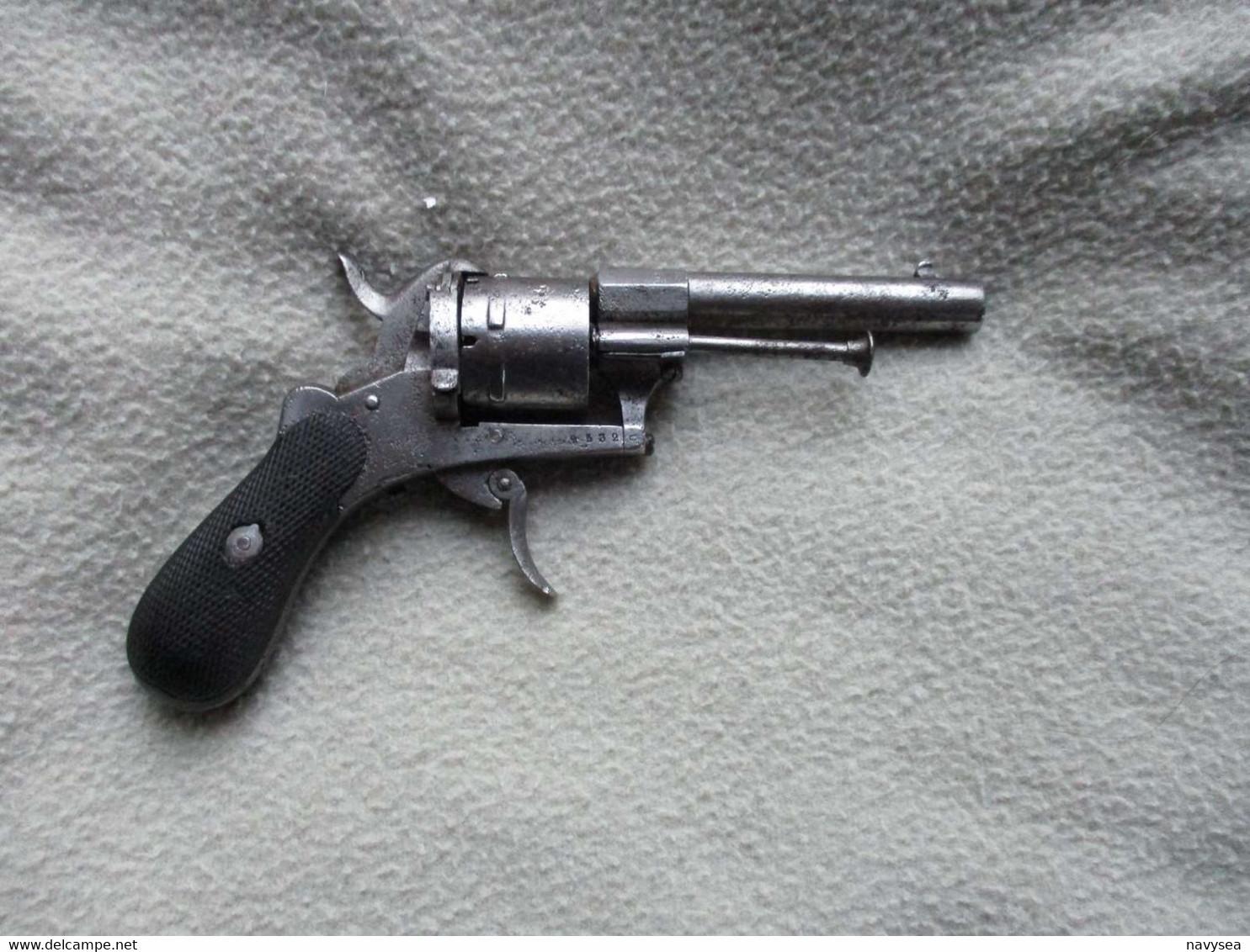 REVOLVER 7MM A BROCHE LEFAUCHEUX - Decorative Weapons