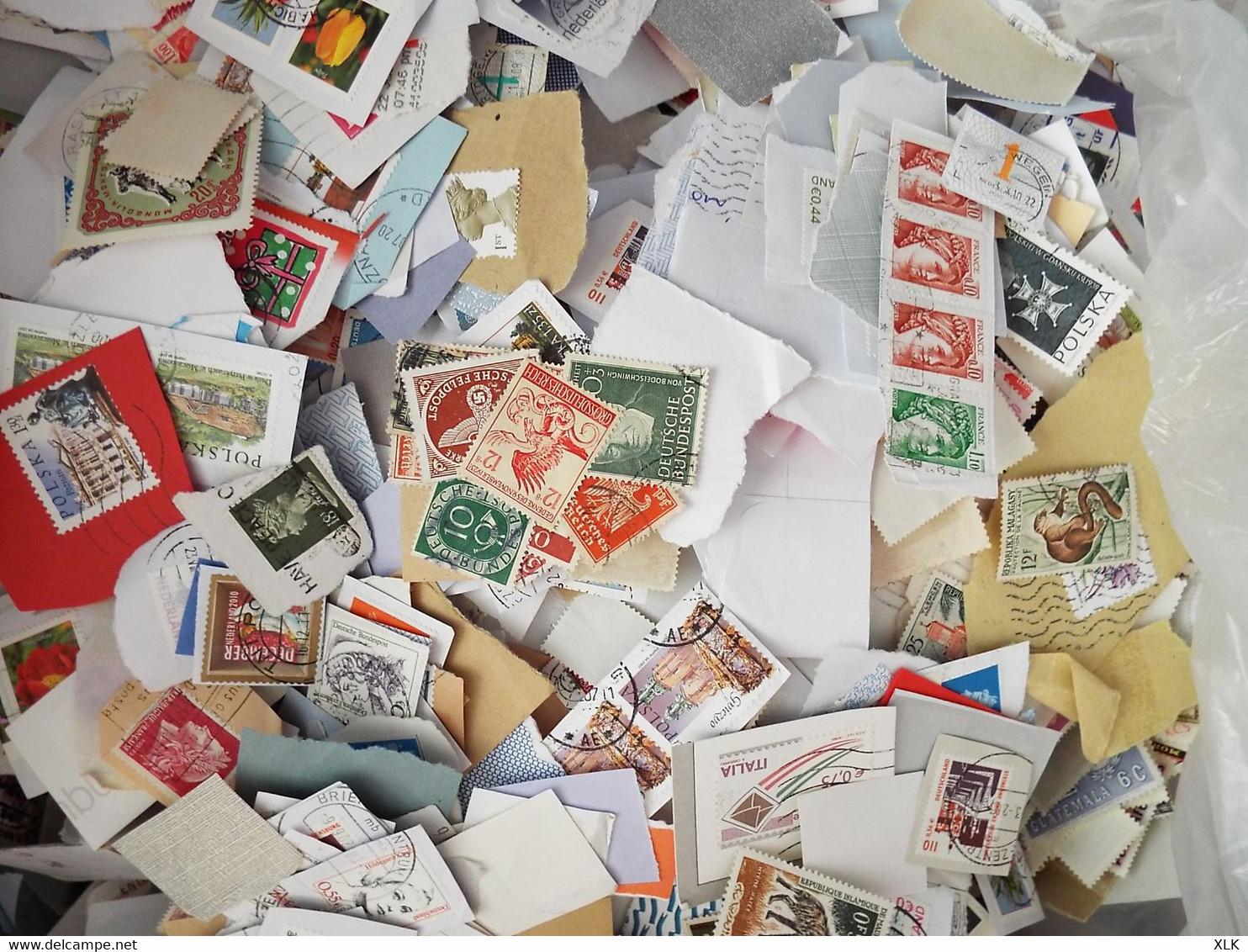 Vrac De 5,5 Kg - Tous Pays - Découverte à Faire - Prix De Départ 10,00€ - Lots & Kiloware (mixtures) - Min. 1000 Stamps