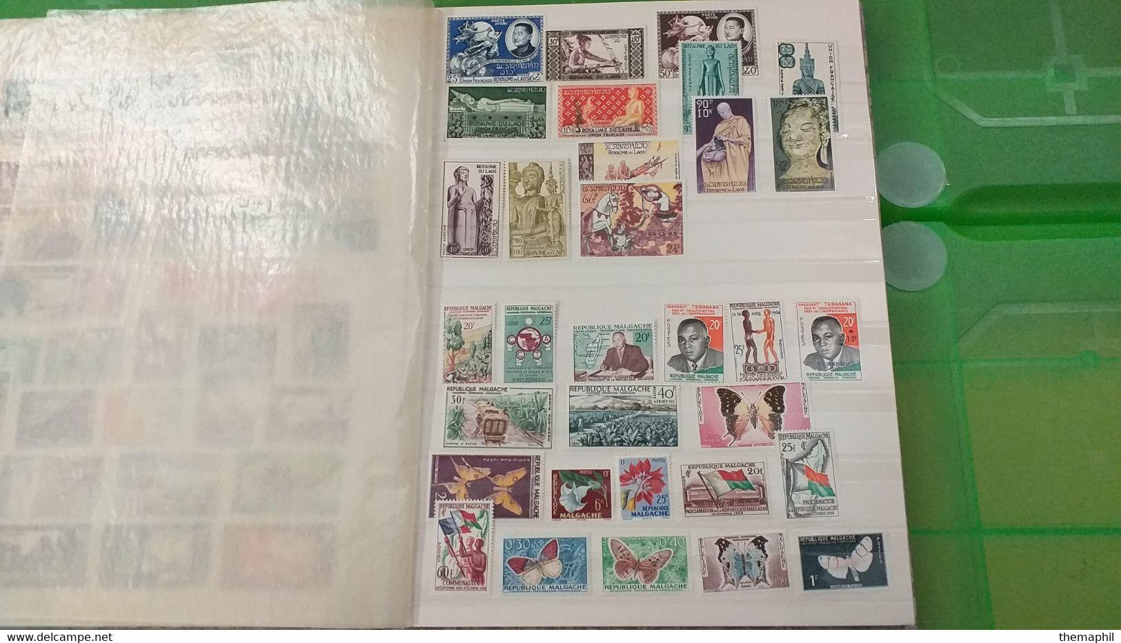 Lot N° TH 688  LAOS , COMBODGE ; VIET NAM  Un Classeur De Timbres Neufs Xx - Collections (with Albums)