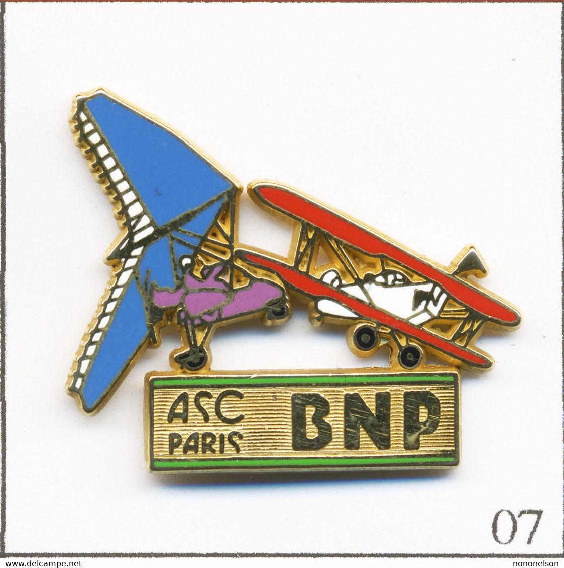 Pin's Banque / Assurance - BNP / ASC Paris - Aéroclub. Estampillé Ballard. Zamac. T738-07 - Banken