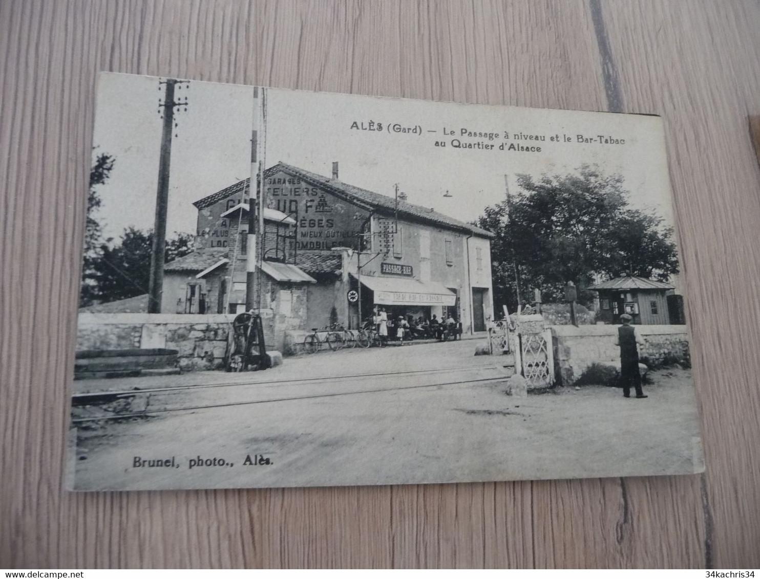CPA 30 Gard Alais Alès Le Passage à Niveau Et Le Bar Tabac U Quartier D'Alsace - Alès