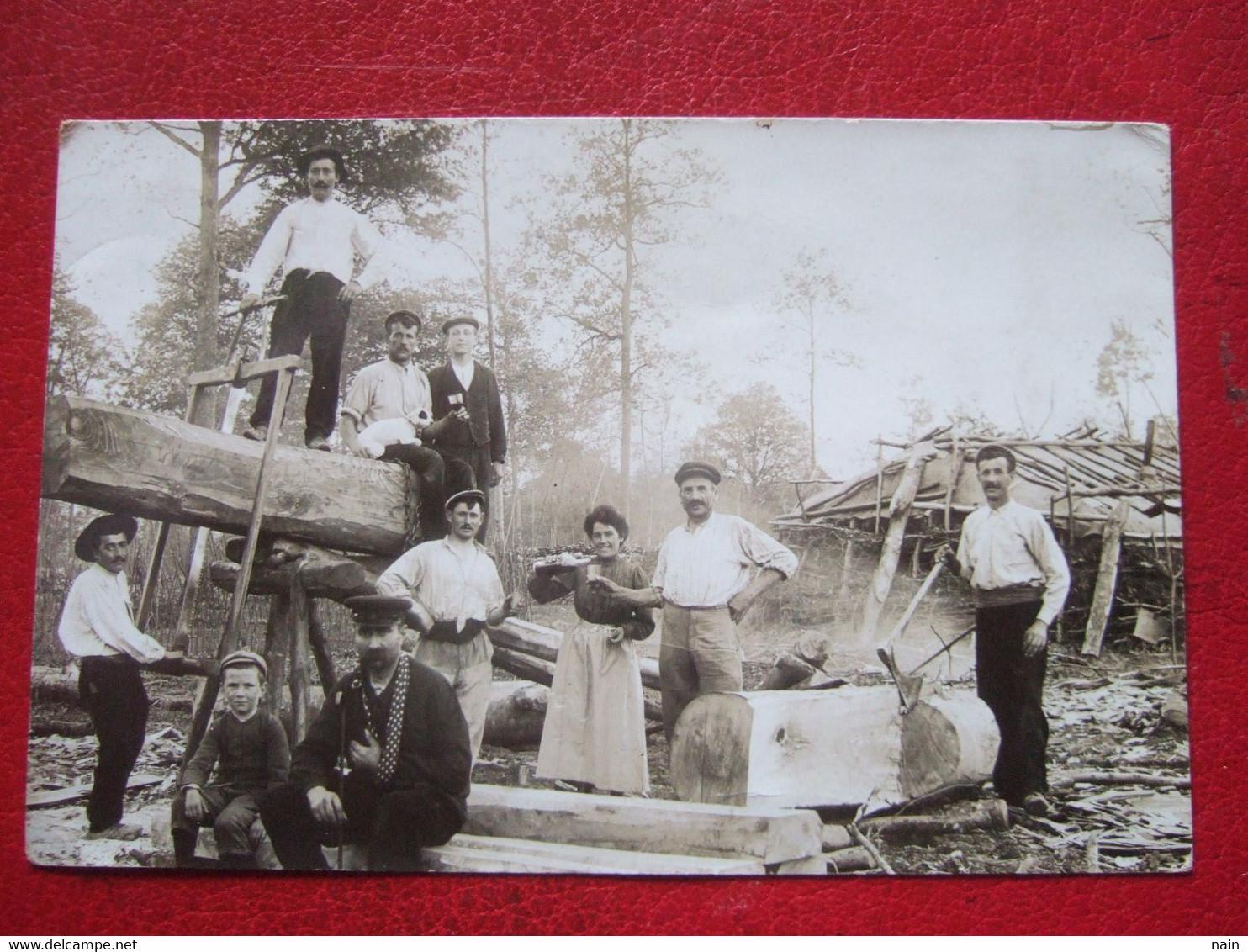 """27 - BRETEUIL - CARTE PHOTO - """" SCIEURS DE LONG SUR UN CHANTIER """" -VOIR LES SCANS - CARTE SUPERBE - """" TRES RARE """" - - Breteuil"""