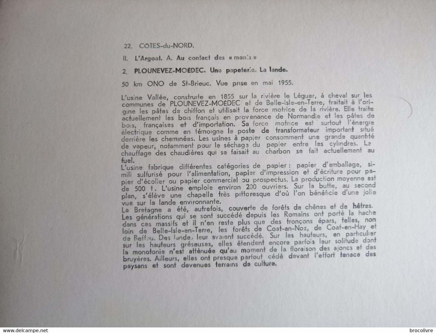 -Plounévez-Moëdec-(Cotes D'Armor)-Une Papéterie-La Lande-45 Cms Par 27 Cms - Places