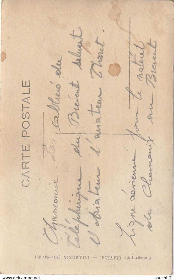 Z+ 24-(74) CHAMONIX -  LES CABLIERS DU TELEPHERIQUE DU BREVENT SALUENT L' AVIATEUR THORET - PHOTO. OLIVIER , CHAMONIX - - Chamonix-Mont-Blanc