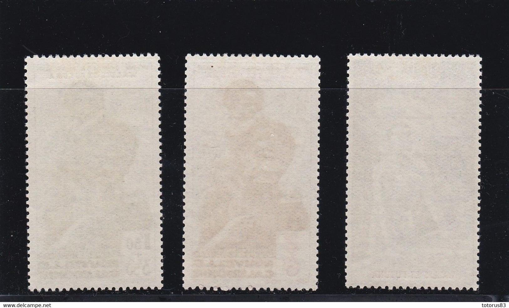 Timbre Wallis PA N°1.2.3 Charnière* - Unclassified