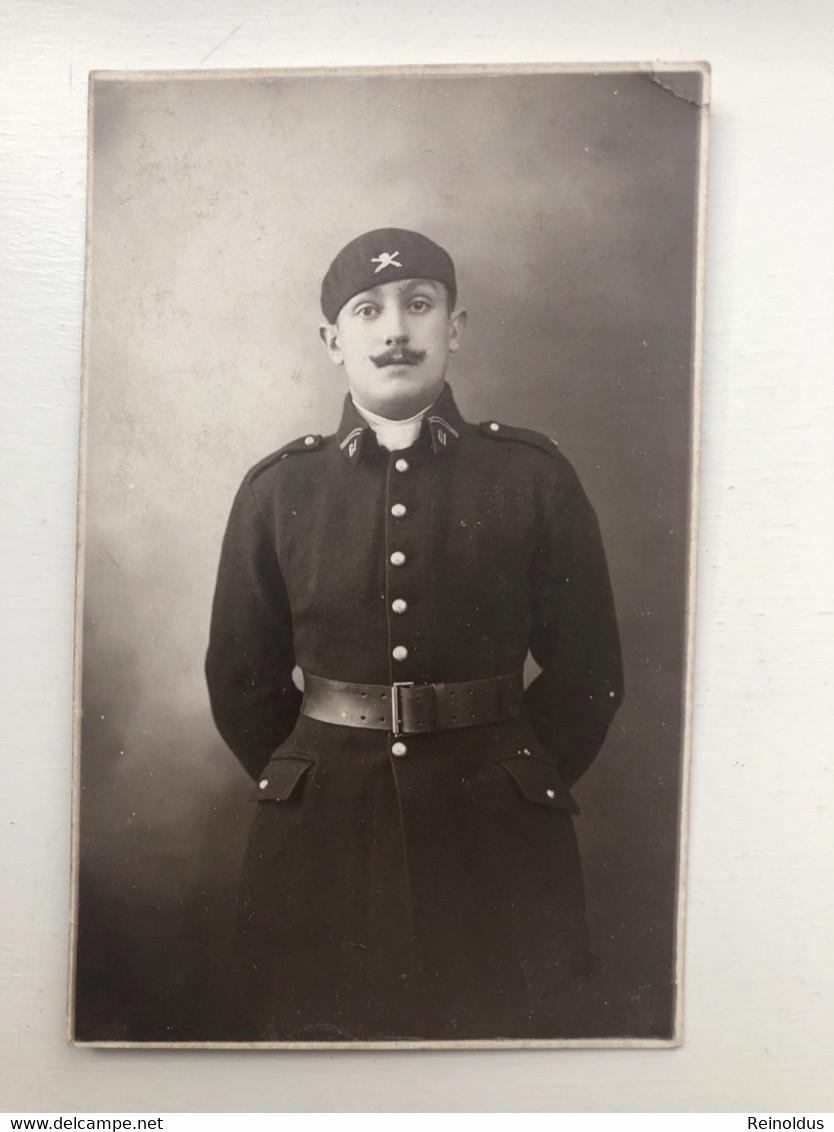 Foto Ak Soldat Militair Francais Baret Insigne - Uniformi