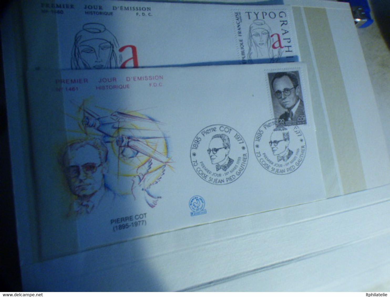 DESTOCKAGE -FRANCE PETITE COLLECTION EN TIMBRES NEUFS** TRES FRAIS  SEMI-MODERNES  GRAND FORMAT PREMIER JOUR - Collections