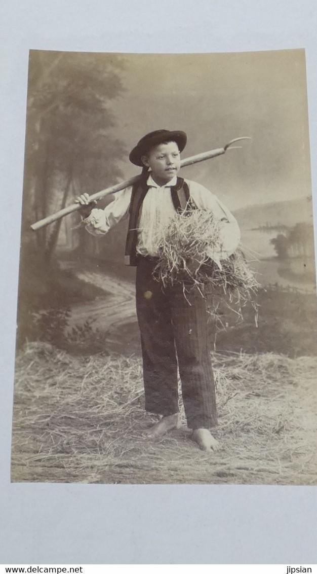 Lot De 2 Photos Originales Albuminées Circa 1870 Villard Quimper 15 X 12 Cm -- Homme De Ploaré KX - Alte (vor 1900)