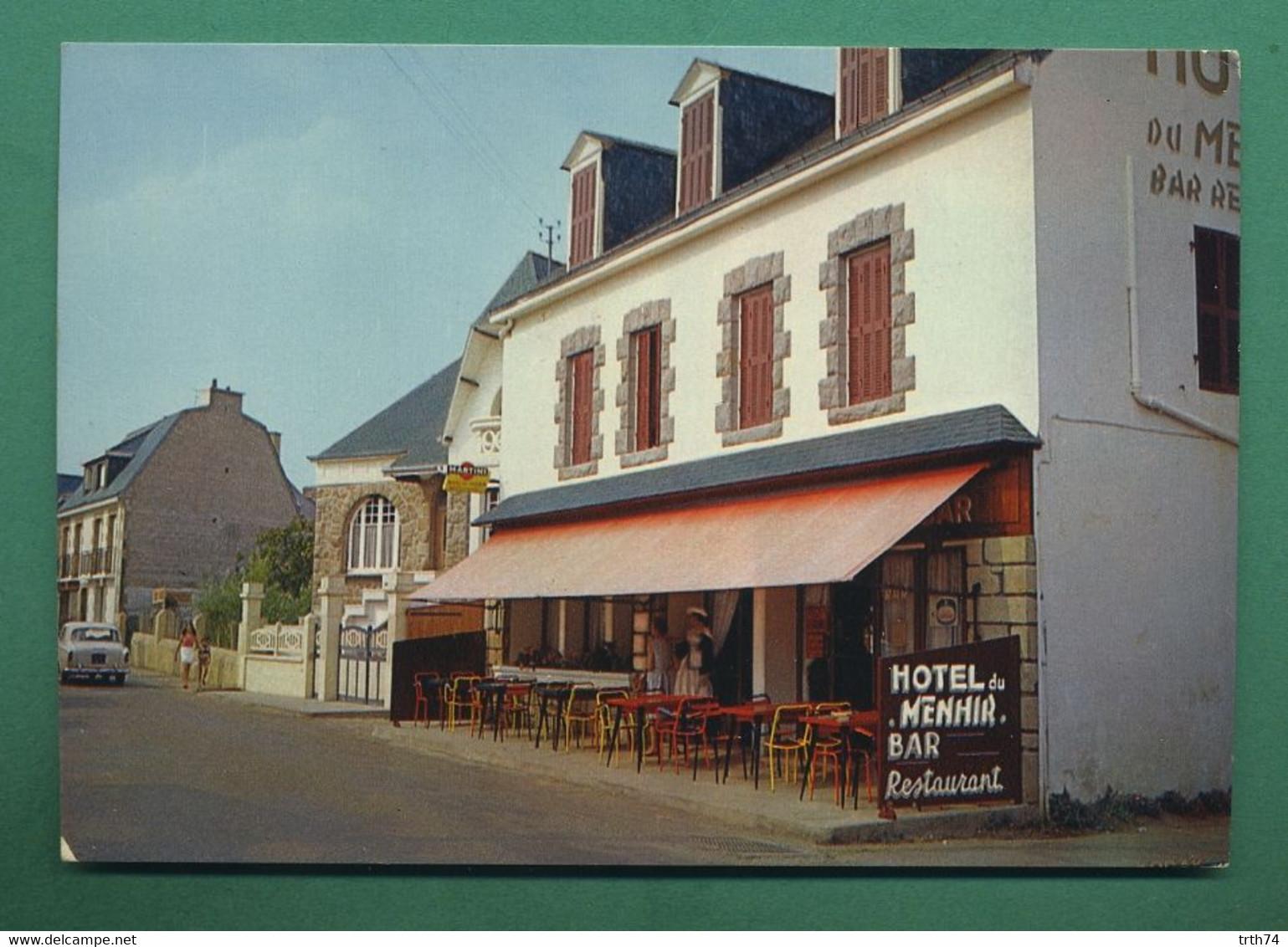 56 Locmariaquer Hôtel Du Menhir ( Bar, Restaurant, Voiture Peugeot 403 ) - Locmariaquer