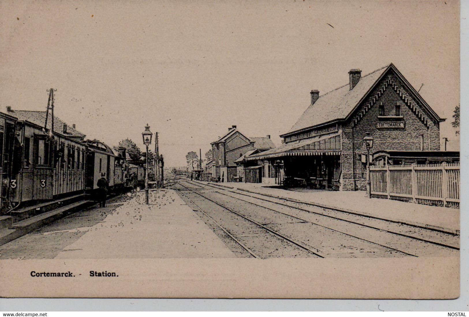Cortemarck: Station (interieur) - Kortemark