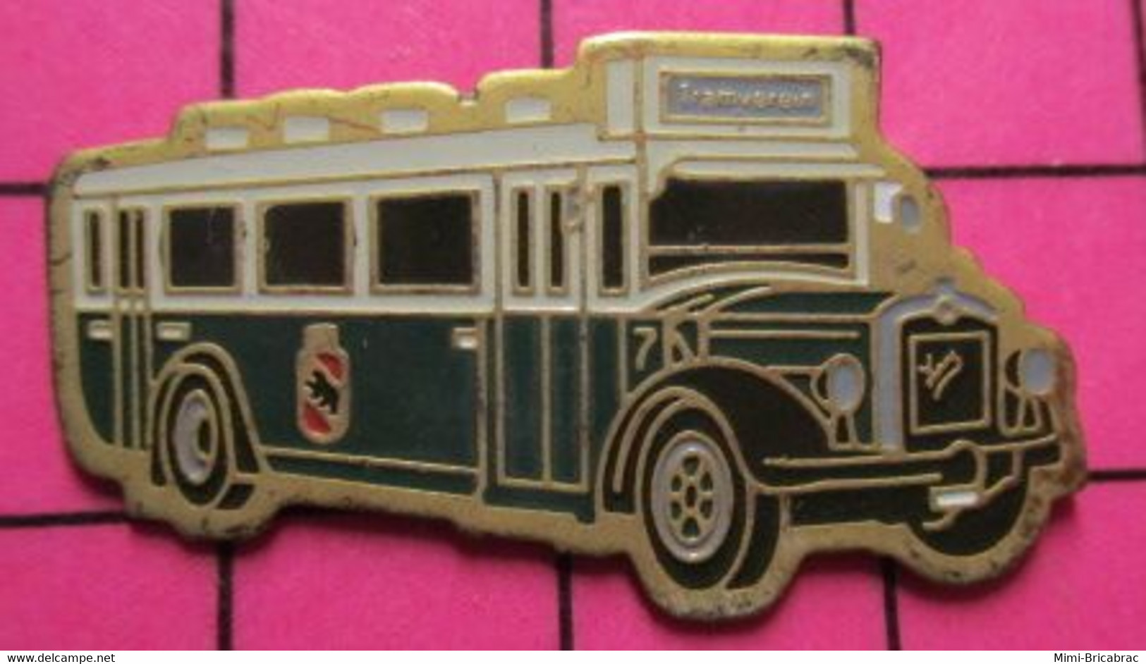 2619 Pin's Pins / Beau Et Rare / THEME : TRANSPORTS / AUTOBUS URBAIN VERT ET BLANC TRAMVEREIN Tirage Numéroté 167 - Trasporti